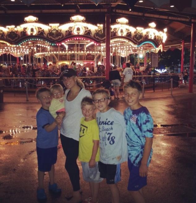 Hersheypark In The Dark carousel