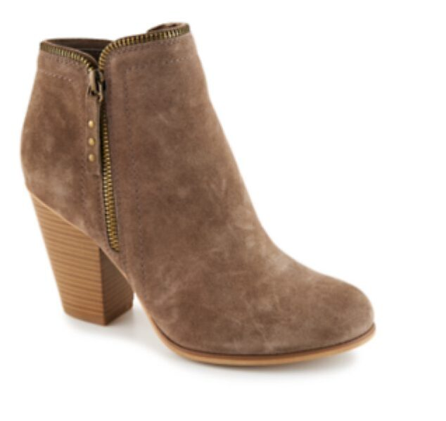 How to Style Fall Boots - Limelight Kendra