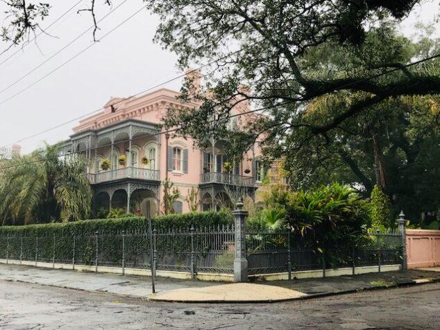 Walking Tour of Old Mansions