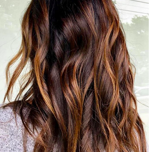 Warmth, shine, lived-in luster...we are all about the newest FW Trends. Highlight, color and lived-in waves by Morganne @manely.morganne