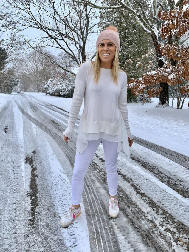 how to wear white jeans in winter
